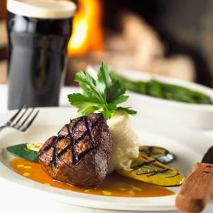 cac-mon-dung-de-uong-bia-6a5dark-beer-va-steak-2